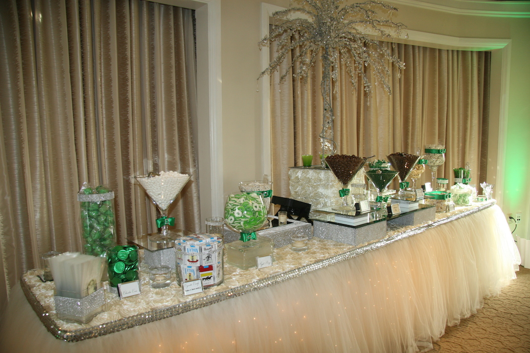 Candy buffet sbd event designs los angeles for Table decoration design